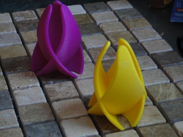 Оригинальная ваза - тридалоид