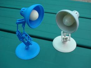 Настольная лампа Электрическая лампочка